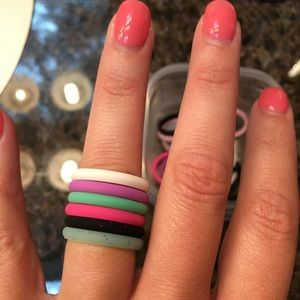 Women's Thin Band Silicone Rings (size 8)